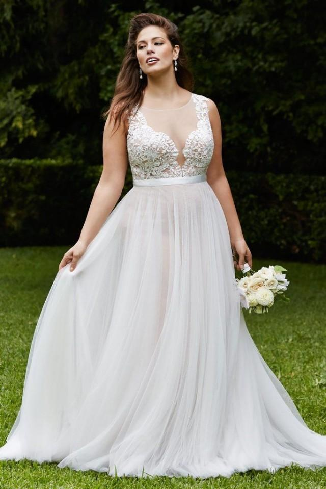20 Gorgeous Wedding Gowns For Curvy Girls 2300148