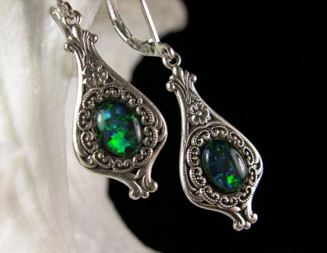 Ring In The Steampunk Decor To Pimp Up Your Home: Steampunk Earrings Peacock Blue Green Opal Crystal Drop