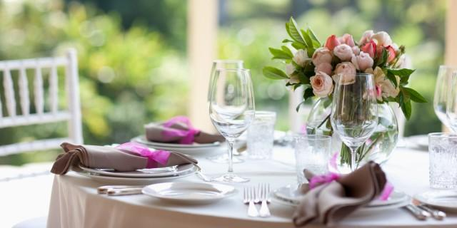 bridal shower 101 6 tips to not break the bank weddbook