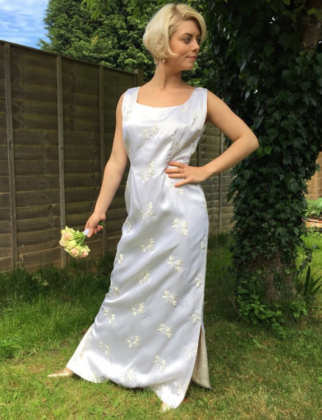 Simple Wedding Dress Man : S vintage wedding dress white satin shift long gown embroidered