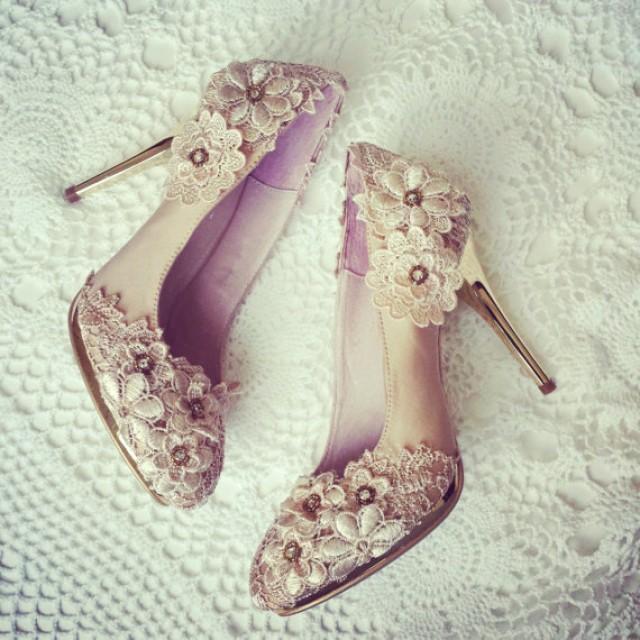 SALE Vintage Flower Lace Wedding Shoes With Champagne Gold Applique Crochet Bridal Satin Pumps