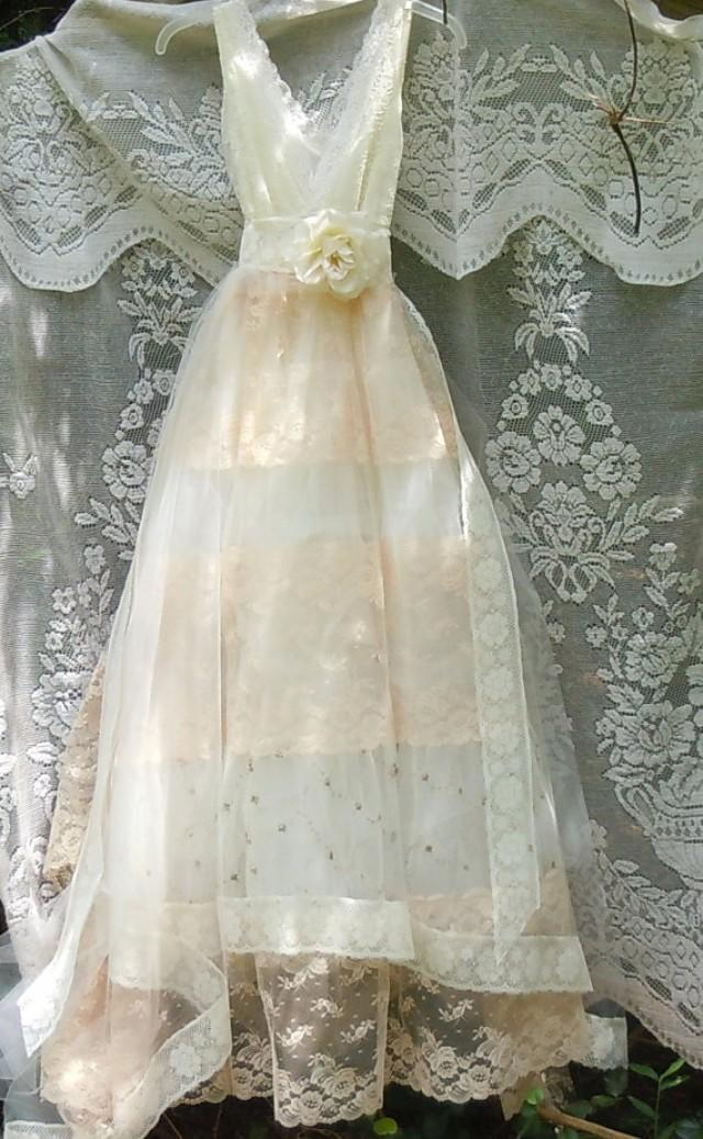 Tulle wedding dress ivory cream lace floral roses boho for Ivory lace wedding dresses vintage