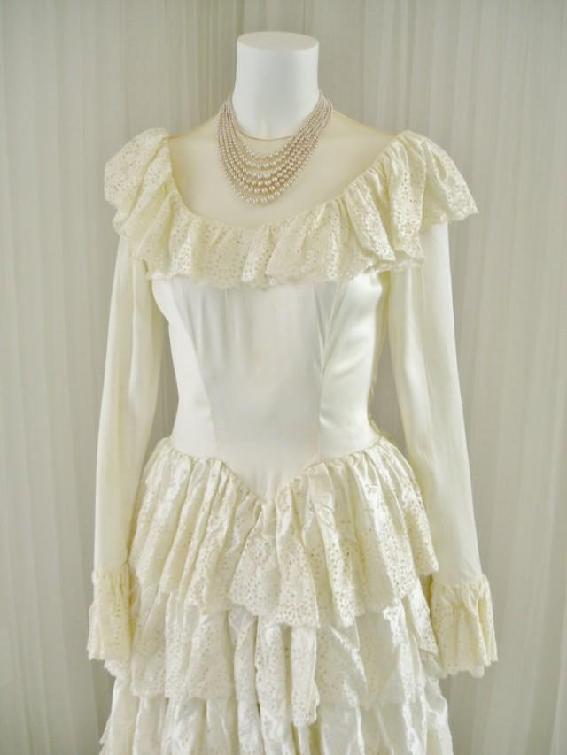 Vintage satin 1940 39 s bridal ball gown wedding dress for Vintage satin wedding dresses