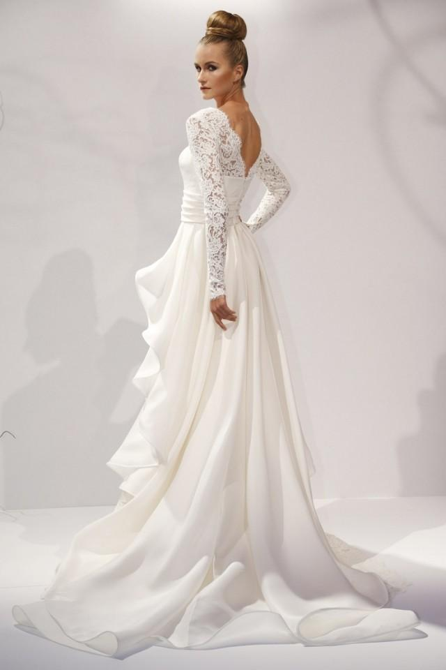 Designer wedding dresses brides teenage lesbians for Designer wedding dresses uk