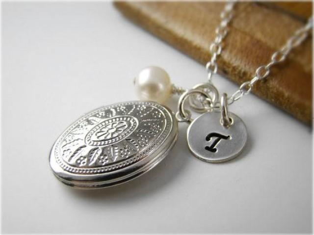 Wedding Gift Necklace: Private Listing For Emily, Personalized Bridesmaids Locket