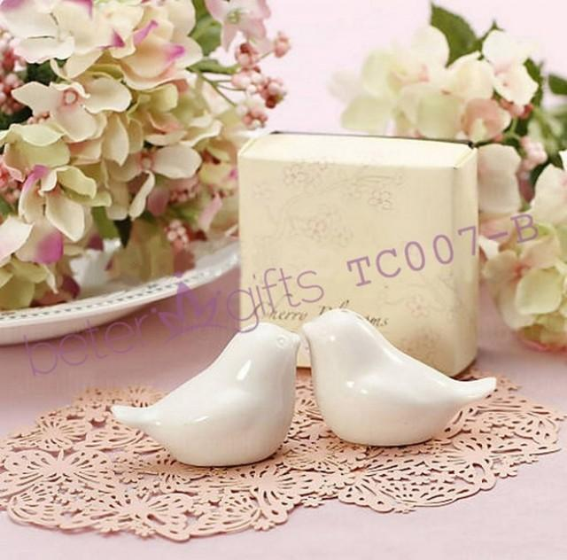 wedding photo - Free Shipping Cherry Blossom birds salt and pepper shakers Wedding Favors TC007 from Reliable graduation gifts flowers suppliers on Shanghai Beter Gifts Co., Ltd.