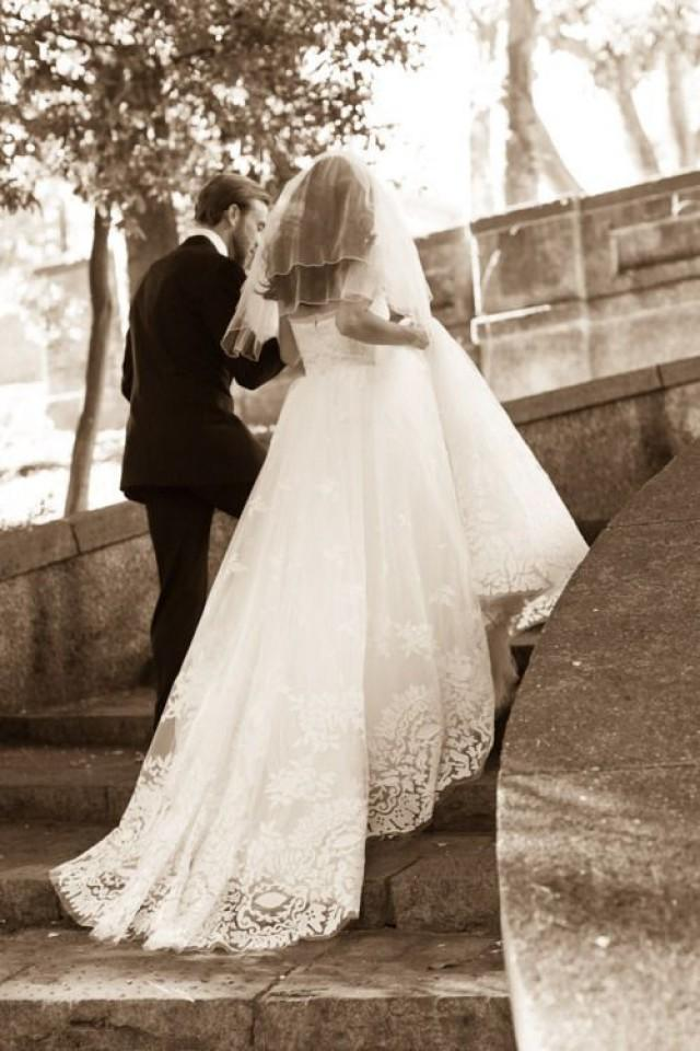 Oscar De La Renta Oscar De La Renta 12E04 Size 2 Wedding Dress 2315693