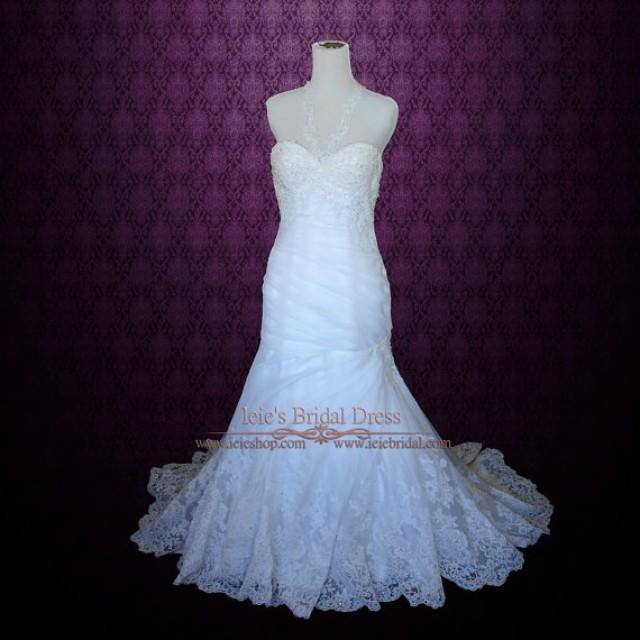 Fitted backless wedding dress