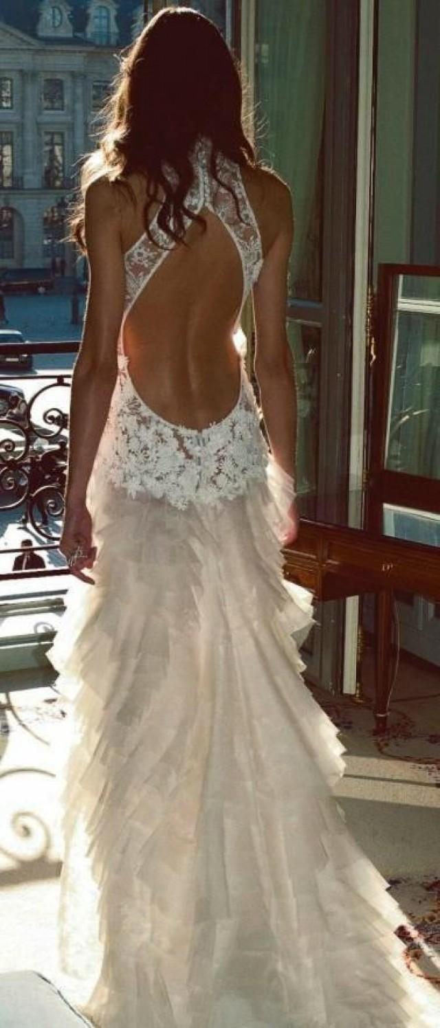 Фото в белом платье с обнаженной спиной 21 фотография