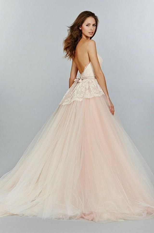 Wedding theme 15 sweet peach blush wedding dresses for Peach dresses for wedding