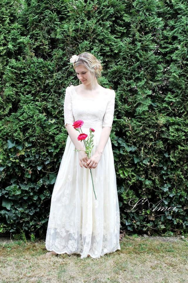 Retro Design Embroidered Long Sleeve Lace Bridal Wedding Dress Gown Perfect For Woodland Beach