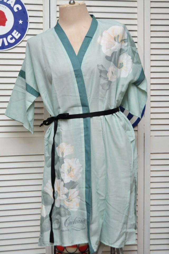 vintage 80s 90s robe kimono mint green white lilies cacharel anais anais lingerie lounge wear. Black Bedroom Furniture Sets. Home Design Ideas