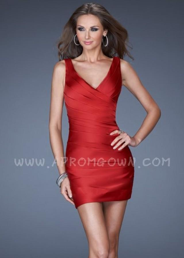 wedding photo - La Femme Sexy Fitted Short V Neck Homecoming Dress 19546 Red