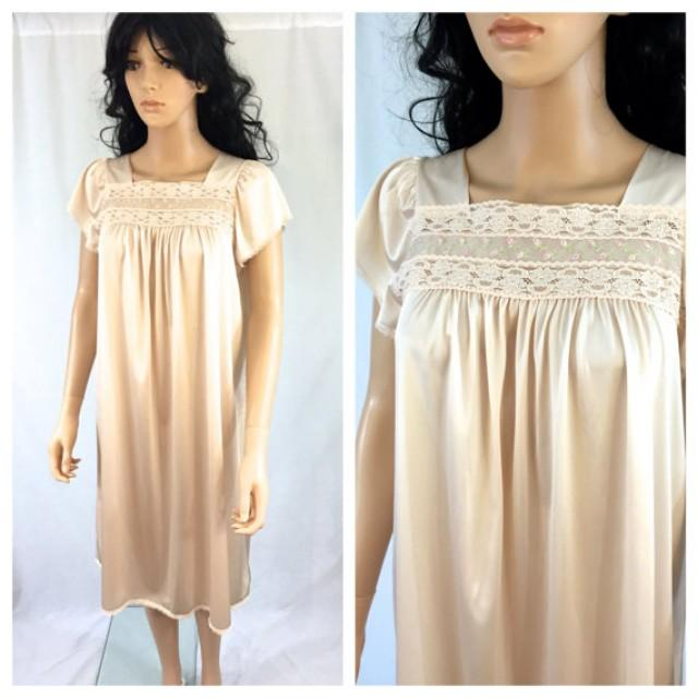 0d694c6f5e6 Vintage Peach Pink Lace Nightgown. Embroidered Nightgown. Bridal. Wedding  Lingerie. 1960s. Nylon. Medium. Under 25. Roses. Romantic Lace.