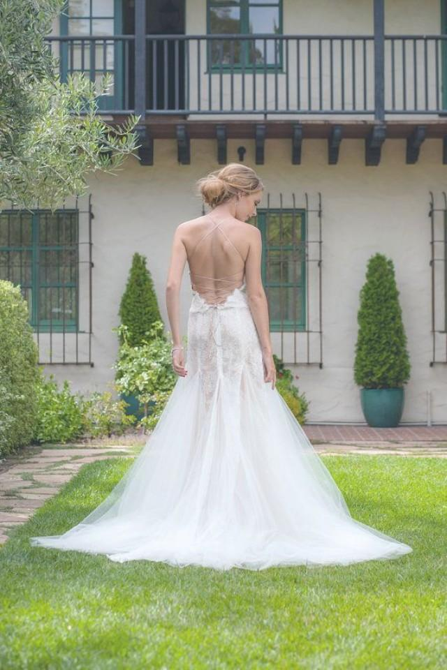Open back wedding dress lace bridal dress tulle wedding for Fitted lace wedding dress with open back