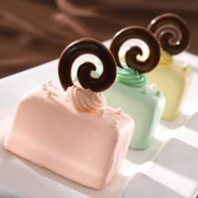 pastel petit fours mini cakes 2354247 weddbook. Black Bedroom Furniture Sets. Home Design Ideas