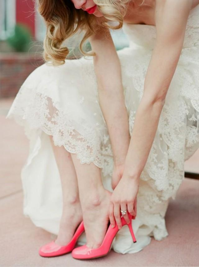 Get Ready To Design Your Own Vintage Lace Wedding Dress Online 2357162