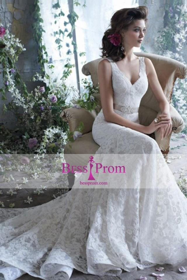 wedding photo - vintage lace v-neck wedding dress - bessprom.com