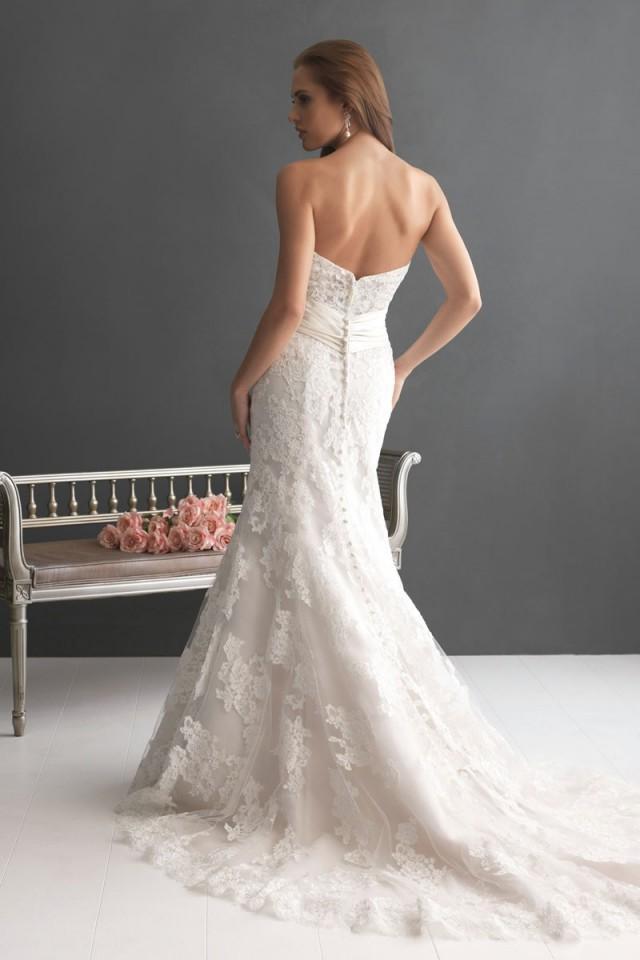 wedding photo - Mermaid/Trumpet Lace Strapless Natural Waist Court Train Wedding Dress - bessprom.com
