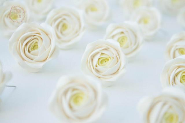 wedding photo - Floral Wedding Magnets 'Paradise Rose', Ivory Party Favors, Ivory Rose Favors