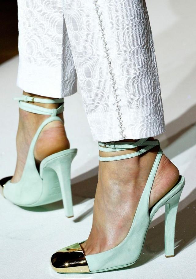 chaussure yves saint laurent spring 2012 2362238 weddbook. Black Bedroom Furniture Sets. Home Design Ideas