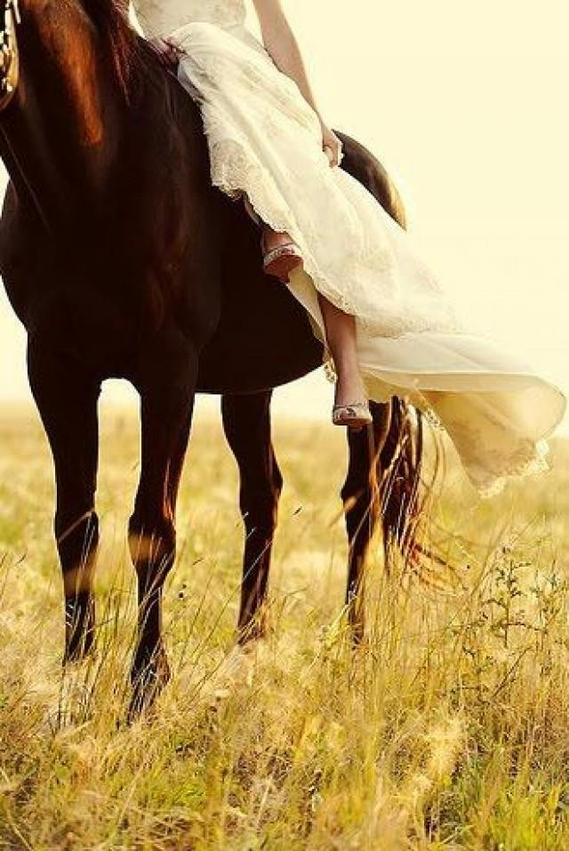 Wedding Ideas - Cowgirl - Weddbook