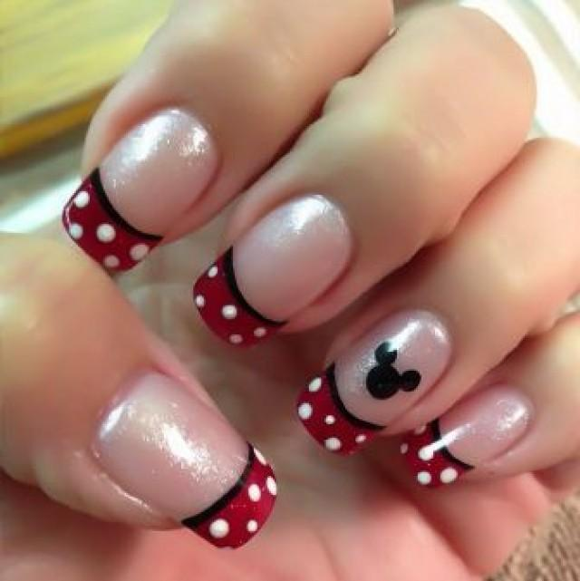 Disney Nail Art: 15 Lovely Mickey Mouse Disney Nail Art Designs #2363553