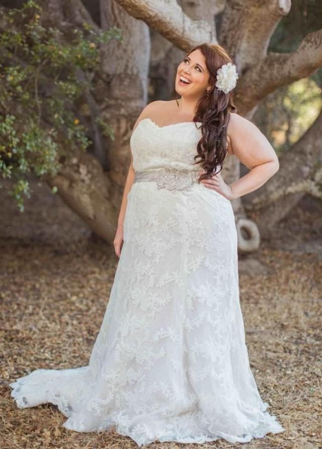 Stunning 2016 plus size lace wedding dresses garden sash a for Best wedding dress styles for plus size brides