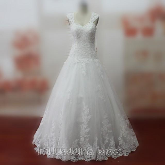 wedding photo - Elegant Classic Wedding Dresses with Lace Floor Length Wedding Gowns Brush Train Bridal Gowns Chic Bridal Dress