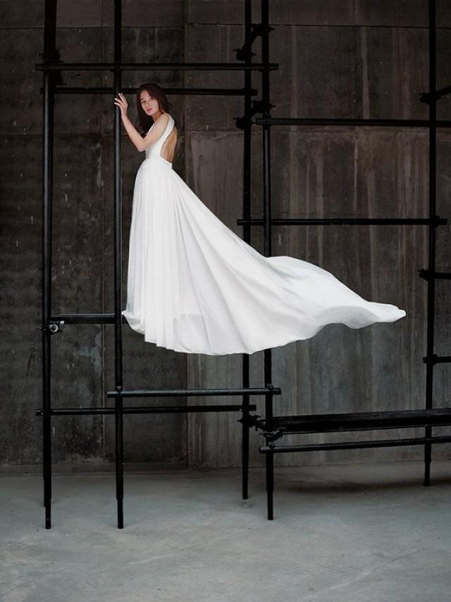 Ida open back wedding dress low back wedding dress for Wedding dresses with dramatic backs