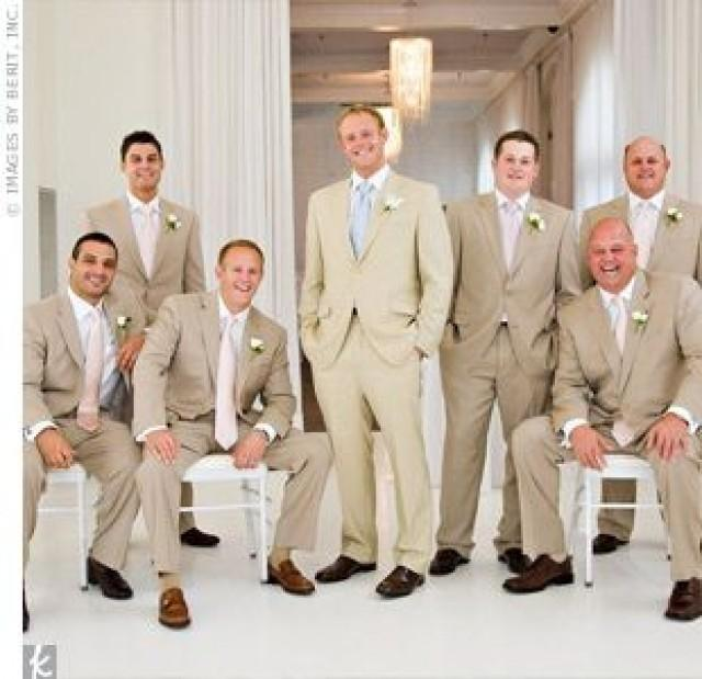 Groom - Neutral Weddings #2371600 - Weddbook