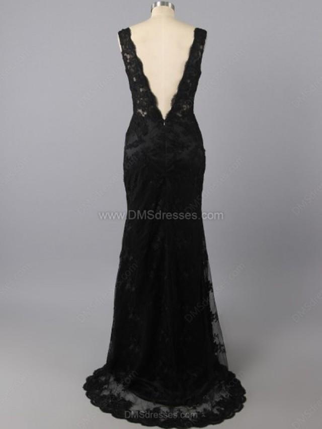 wedding photo - Trumpet/Mermaid Lace V-neck Appliques Lace Sweep Train Formal Dresses