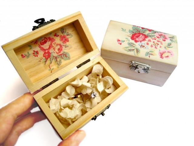 Red rose wooden box ring bearer bridesmaid gift box wedding gift