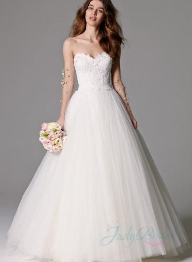 Timelessly Sweetheart Neck Pirncess Tulle Ball Gown