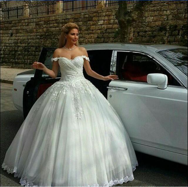 Exquisite Lace Winter Fall Wedding Dresses Off Shoulder Arbic Chapel Train 2015 A Line Tulle