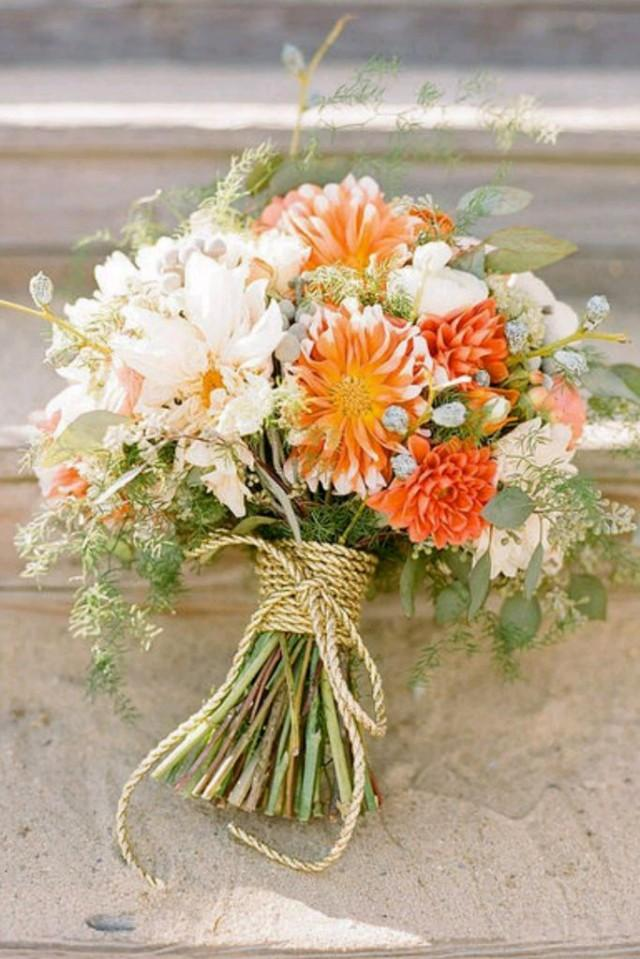 wedding photo - 15 Beautiful Fall Wedding Bouquets