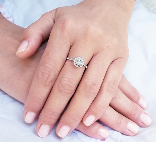 18k Halo Engagement Ring Diamond Ring For Women White