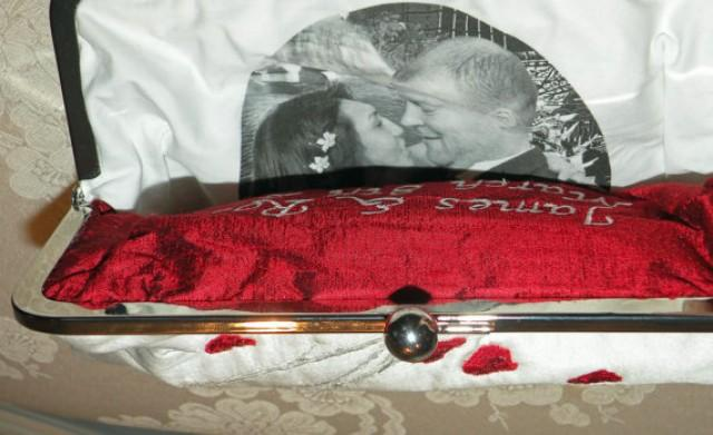 wedding photo - Personalize Your Clutch with a photo.....