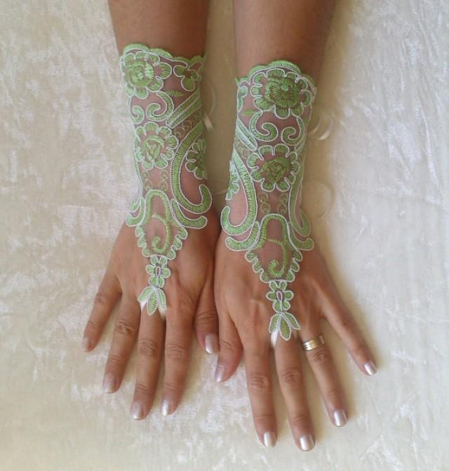 Ivory or peridot green ivory frame wedding gloves lace for Wedding dresses with gloves