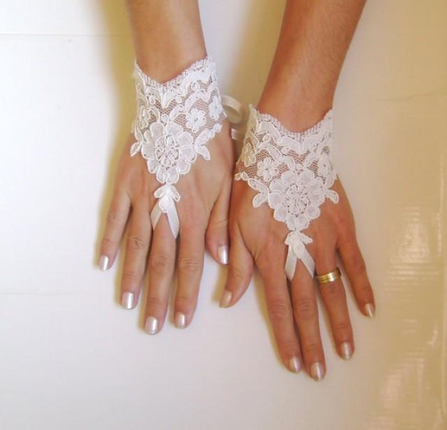 wedding photo - Ivory Wedding gloves bridal gloves lace gloves fingerless gloves french lace gloves gloves free ship