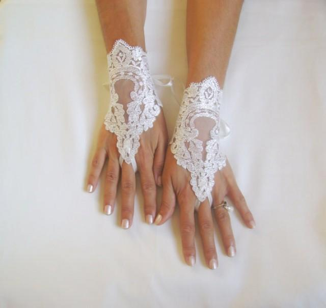 wedding photo - ivory Wedding Glove, ivory lace gloves, Fingerless Glove, ivory wedding gown, UNIQUE Bridal glove, bride, bridal gloves, FREE SHIP 229