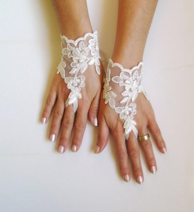 wedding photo - ivory Wedding Glove, ivory lace gloves, Fingerless Glove, ivory wedding gown, UNIQUE Bridal glove, wedding bride, bridal gloves, FREE SHIP