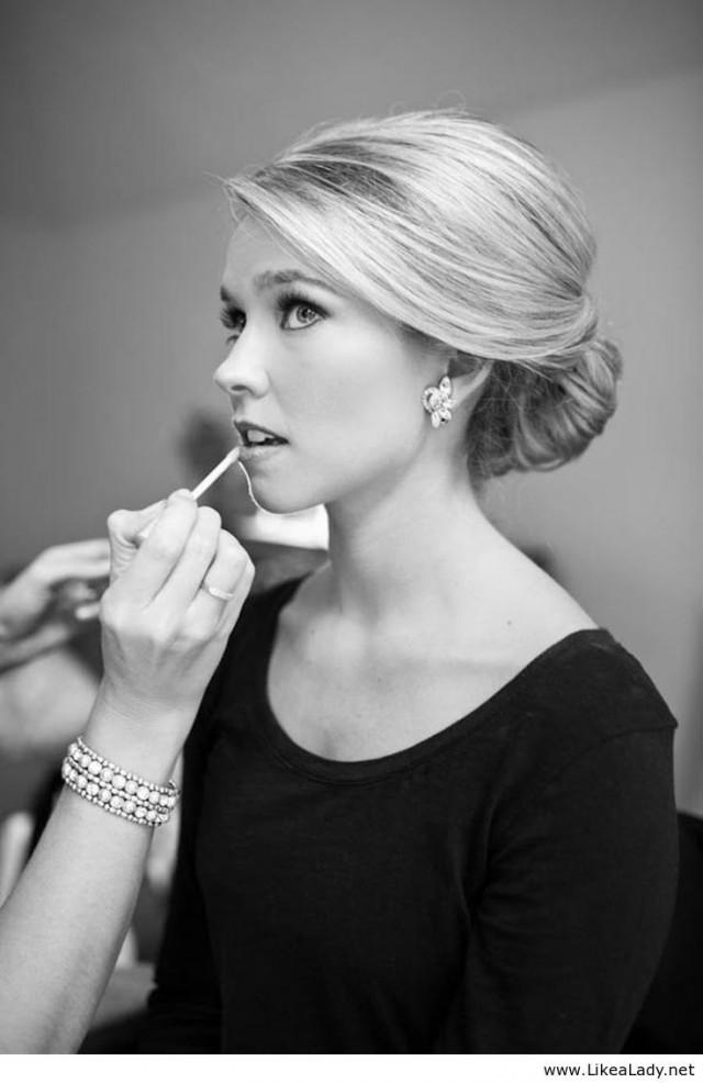 Diy Wedding Makeup Or Professional : Wedding Day Bridal Beauty: Should You DIY It, Or Head To ...