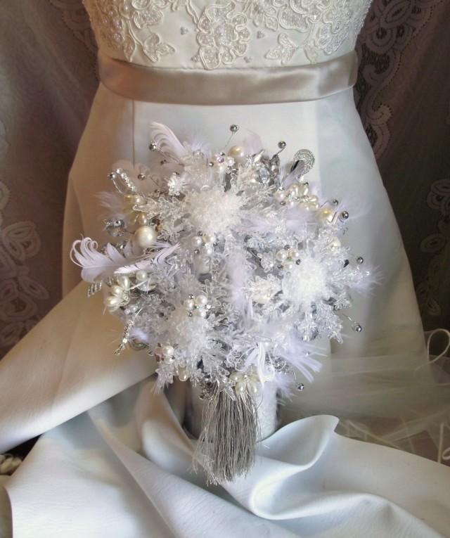 Christmas Wedding Bouquet Ideas: Winter Wedding Bouquet, Snowflake Bouquet, Winter Bridal