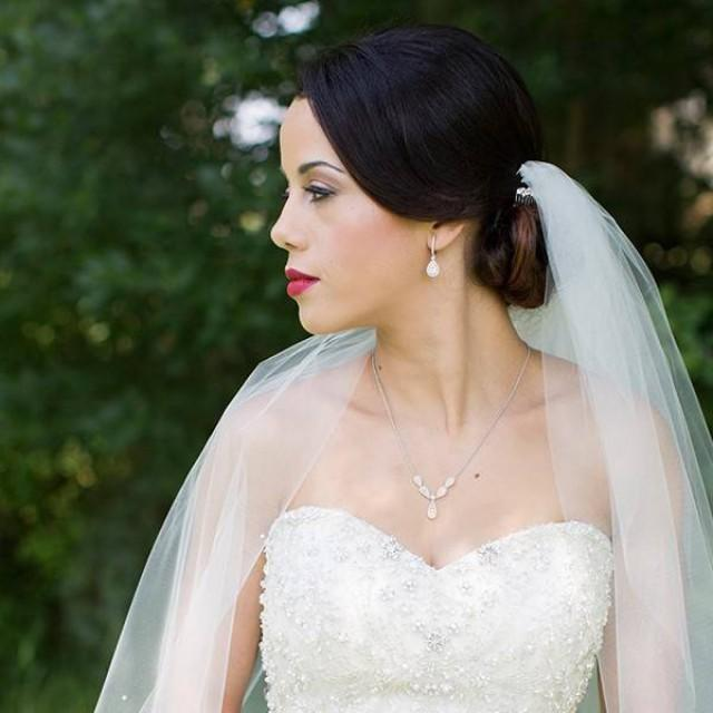 How To Pick The Perfect Jewelry To Complement Your Wedding