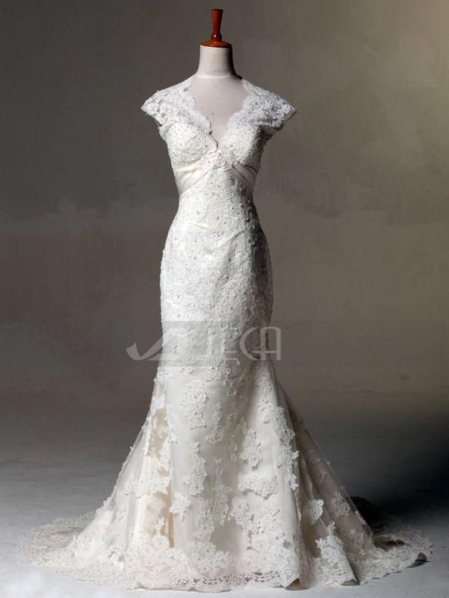 Pictures Of Shabby Chic Wedding Dresses : Vintage inspired lace wedding dress keyhole back