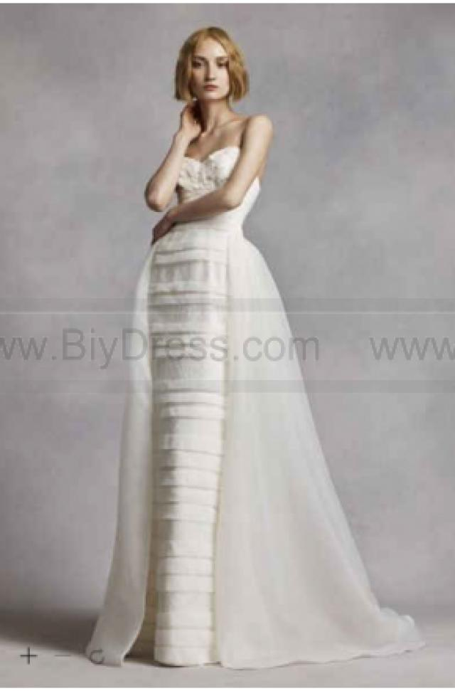 wedding photo - White by Vera Wang Beaded Lace Wedding Dress VW351268