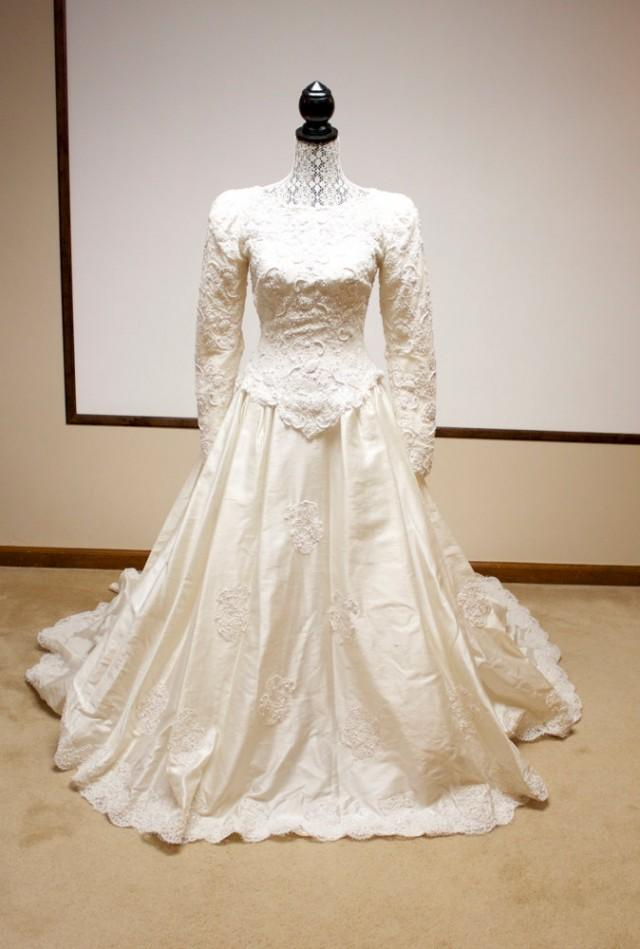 Vintage beaded lace bridal gown silk dupioni wedding dress for Vintage beaded lace wedding dress