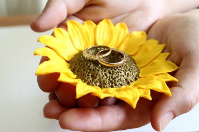 wedding photo - Yellow Sunflower ring Dish, holder Ring bearer, Wedding rings storage, sunflower wedding, wedding decoration, Wedding Gift, Sunflower ring