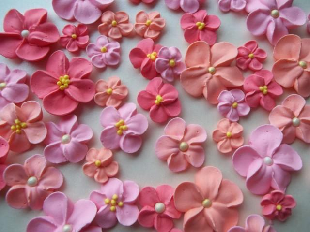 Cake Decorating Icing For Flowers : Peach And Pink Royal Icing Flowers -- Cake Decorations ...